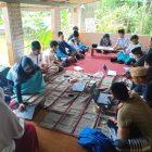 PMII STMIK Tasikmalaya menyelenggarakan pelatihan komputer di Pondok Pesantren Al Qudwah Benda Cikalang, Kecamatan Tawang, Kota Tasikmalaya, Minggu, (17/01/2020).